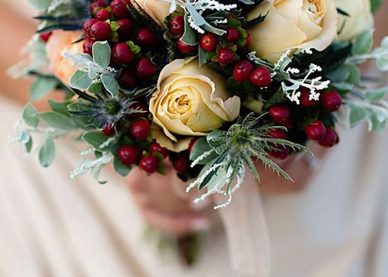 bouquet_matrimonio_inverno_bacche_rosse