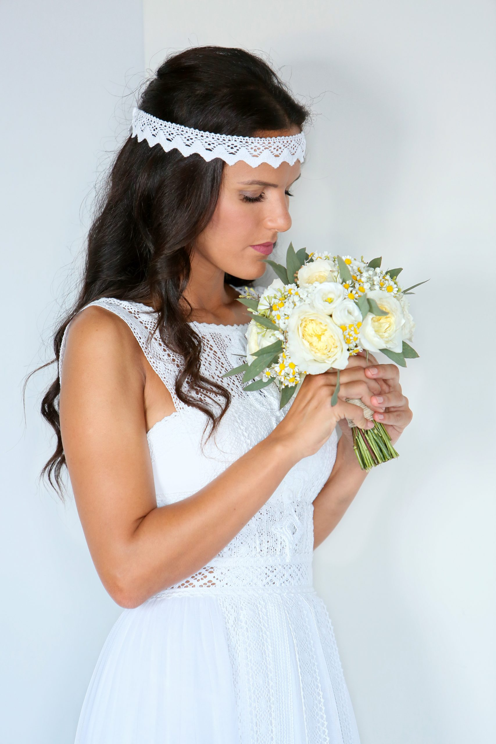 natural chic bride